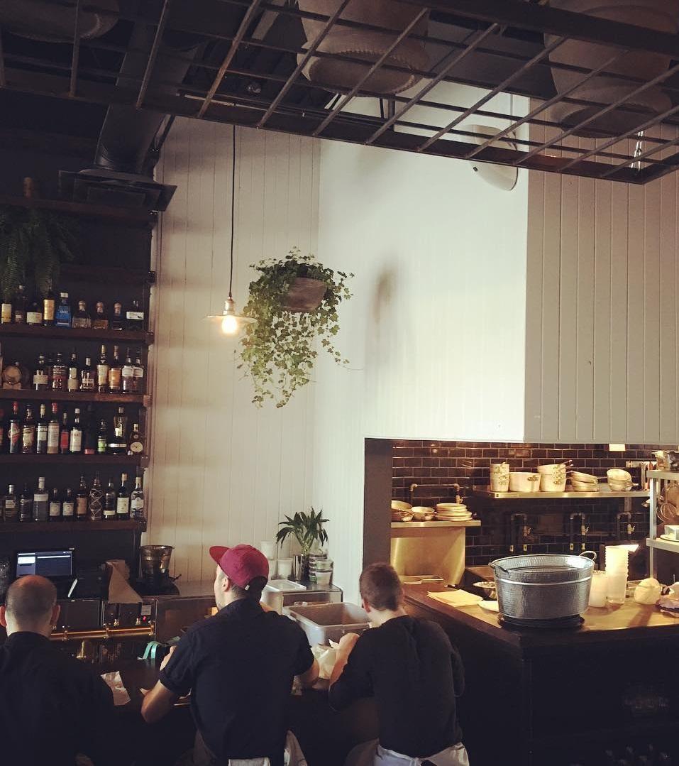 Oregon cuisine & bar-à-vin